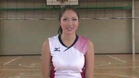 【コスプレエロ動画】身長178cmの現役バレーボール選手のエロ動画www