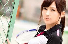 【コスプレエロ動画】激カワなテニス部美少女と汗だくスポコスSEX!