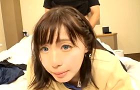 【コスプレエロ動画】セーラー服JKに中出し契約書書かせて膣内射精!