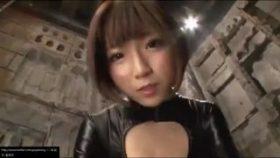 【コスプレエロ動画】キャットスーツに身を包んだ女捜査官が感じすぎてすごいことにw