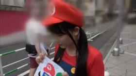 【コスプレエロ動画】任天堂キャラコスのめがね素人とハメ撮りするエロ動画