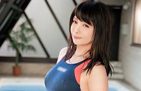 【コスプレエロ動画】激カワな鳳かなめとプールサイドで競泳水着SEX!