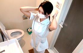 【コスプレエロ動画】現役看護師さん、お持ち帰りされてSEXを生配信されてしまう...